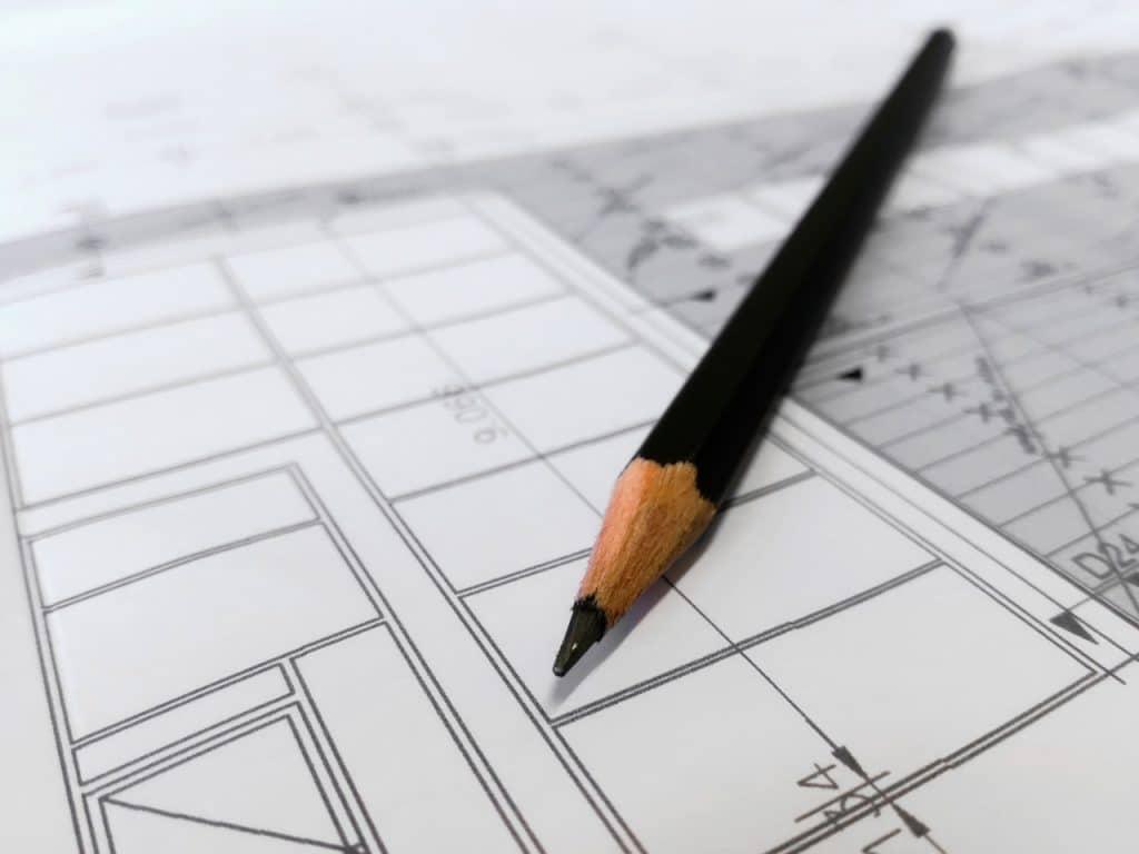 Bleistift auf Plänen
